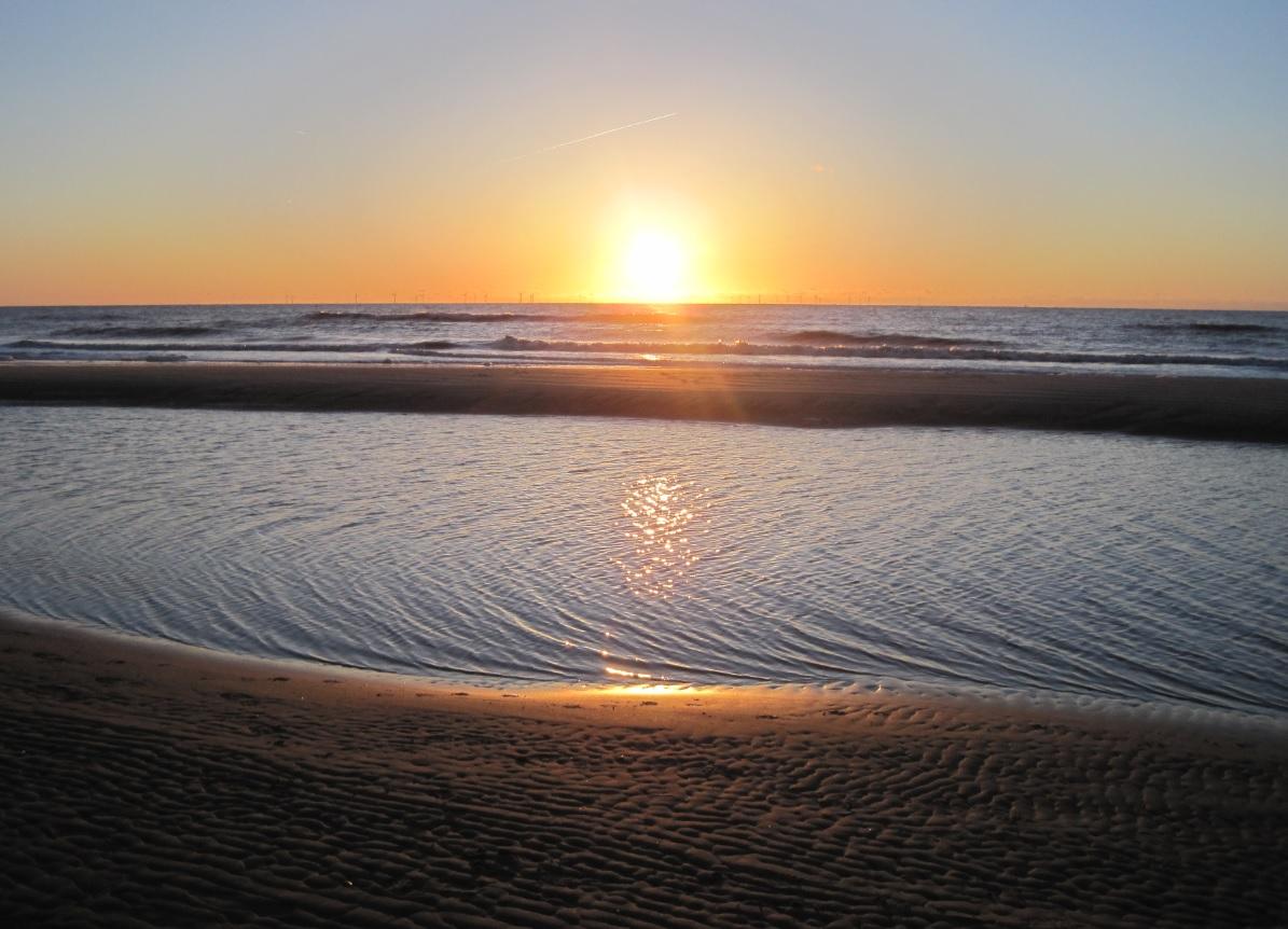 Sonnenuntergang in Holland an der Küste